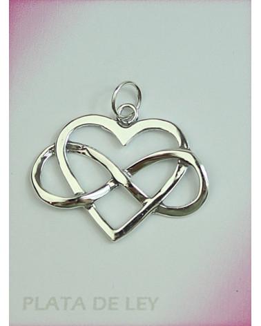 Colgante de plata de corazón infinito