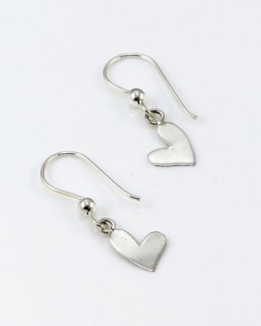 Pendiente de plata con forma de corazón con cierre de gancho