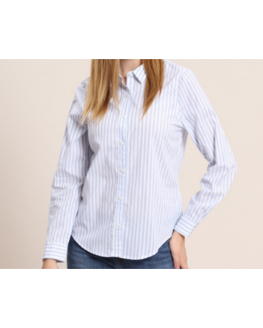Blusa de rayas con cuello y botones